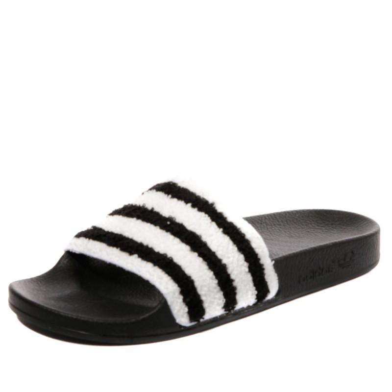 meilleur endroit style populaire meilleur fournisseur Adilette Femme Claquettes Noir Adidas
