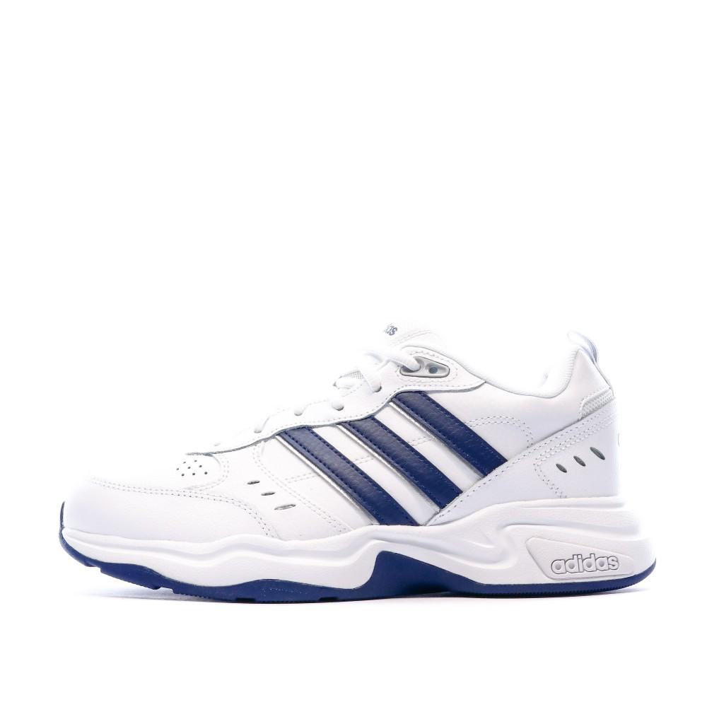 Chaussures de sport blanches homme Adidas Strutter Wide pas cher