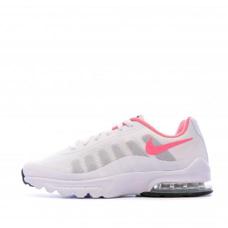 Air Max Invigor Baskets Blanches Femme Nike