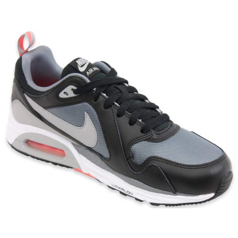 baskets de running homme nike air max trax