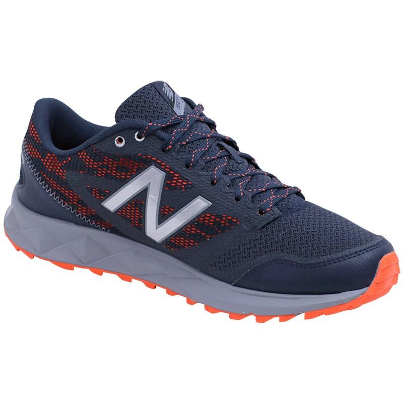 avis mt590 homme chaussures trail running marine new balance