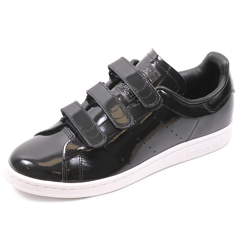 basket adidas noir brillante,baskets femme basses a lacets superstar