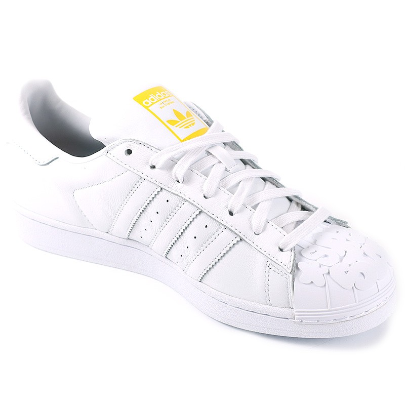 chaussures superstar pharrell williams blanc homme adidas. Black Bedroom Furniture Sets. Home Design Ideas